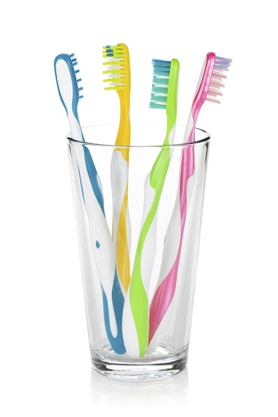 Four Toothbrushes in Glass width of 400 pixels 178037107